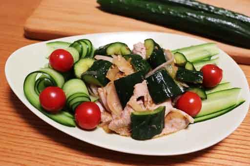 キュウリと豚しゃぶの中華風サラダ